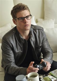 I love a man in glasses