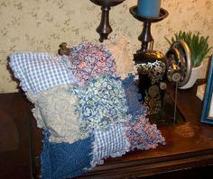 How to make a 9 patch raggedy pillow quilt.