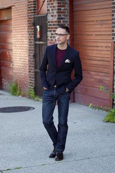 Dressing for a night out and dressing for a first date. Slim dark denim and a navy blazer are two great menswear basics for a sharp not overdressed look. Cheap Mens Fashion, Mens Fashion Suits, Mens Fashion Sweaters, Fashion Night, Men's Fashion, Casual Summer Outfits, Affordable Fashion, Night Out, Menswear