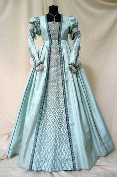 Abito nobiliare che segue la moda italiana, realizzato in seta e broccato con passamanerie e merletti francesi. Costo £ 320