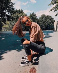 33 the best teenage fashion you should 4 Source by teenage outfits Teenage Outfits, Teen Fashion Outfits, Look Fashion, School Outfits, Model Outfits, 70s Fashion, Hijab Fashion, Fall Outfits, Girl Fashion