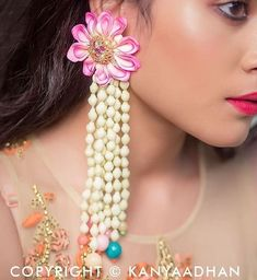 We Just Found The Newest Type of Floral Jewellery & Its Gorge! Best Jewelry Stores, Jewelry Shop, Handmade Jewelry, Fashion Jewelry, Yoga Jewelry, Jewelry Accessories, Women's Fashion, Indian Wedding Jewelry, Bridal Jewelry