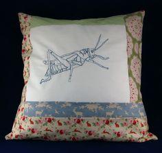 Sticken mit der Nähmaschine: Insektenkissen