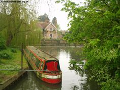 Sad days in Goring in Thames. George Michael is gone but not forgotten. Thames Path, River Thames, Happy Pictures, Happy Pics, Travel Log, Canal Boat, Narrowboat, Local Parks, George Michael