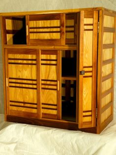 Japanese Tansu Geta Bako Shoe Storage Chest. I like sliding doors..... I guess they remind me of tatami rooms.