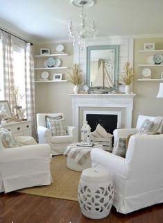 Nice 80 Stunning Small Living Room Decor Ideas https://roomodeling.com/80-stunning-small-living-room-decor-ideas