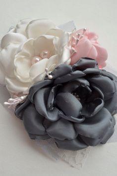 Fascinator e Clip di capelli fiore rosa e di TheVintageCabbgeRose, $17.00