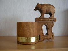 črpák medveď Wood Carving, Folk, Table Lamp, Home Decor, Wood Carvings, Lamp Table, Decoration Home, Room Decor, Table Lamps