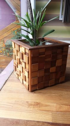 Best DIY Pallet and Wood Planter Box Ideas and Designs - HomyBuzz Into The Woods, Diy Wood Projects, Woodworking Projects, Wood Planter Box, Diy Wooden Planters, Repurposed Wood, Diy Holz, Wooden Diy, Wood Pallets