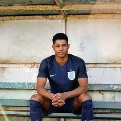 Nike Launch Navy Blue England Away Kit With Marcus Rashford - SoccerBible Neymar Jr Wallpapers, Manchester United Wallpaper, England National Team, Gareth Southgate, Jesse Lingard, Marcus Rashford, Soccer Skills, Soccer Tips, Love