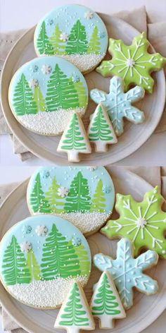 Christmas Sugar Cookies, Christmas Sweets, Christmas Cooking, Noel Christmas, Holiday Desserts, Holiday Cookies, Decorated Christmas Cookies, Decorated Sugar Cookies, Macaroons Christmas