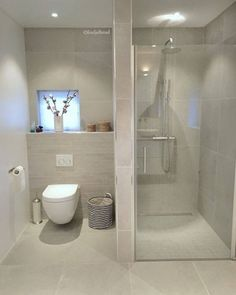 A really nice guest bathroom from ☺️. Do you have a shower in the guest bathroom? # newhome… - Ryan Wasmuth - Mix A really nice guest bathroom from ☺️. Do you have a shower in the guest bathroom? Bathroom Design Small, Bathroom Layout, Bathroom Interior Design, Modern Bathroom, Bathroom Ideas, Timeless Bathroom, Bathroom Organization, Bath Design, Bathroom Storage