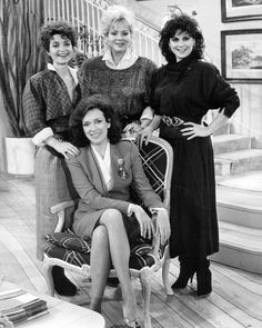 Stunning inch Black and White Photograph of Delta Burke as Suzanne Sugarbaker, Dixie Carter as Julia Sugarbaker, Julia Duffy as Allison Sugarbaker and Annie Potts as Mary Jo Shively in Designing Women. Jean Smart, Designing Women, Julia Duffy, Dixie Carter, Delta Burke, Old Hollywood Actresses, Southern Women, People Art, Professional Photographer
