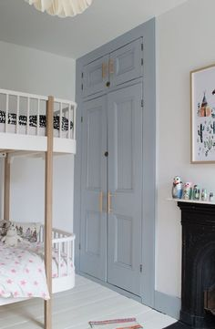 Modern Scandi Kids Bedroom Makeover - Shared Hosting - The first room in our new home is finished-take a look at our grey-blue Scandi kids room makeover and how it was before we started Scandi Bedroom, Kids Bedroom, Kids Rooms, Painted Wooden Floors, Painted Wardrobe, Nachhaltiges Design, Slow Design, Modern Design, Design Ideas
