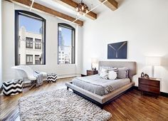 The Williamsburg loft once owned by late-aughts It Girl and model Agyness Deyn has sold for $3.1 million (h/t NYO). The Mill...