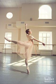 Beautiful Olga Chelpanova - prima by Mari-El Opera & ballet Theatre. Ballet Poses, Ballet Dancers, Ballerinas, Ballet Art, Tumblr Ballet, Dance Dreams, Dance Movement, Shall We Dance, Beautiful Costumes