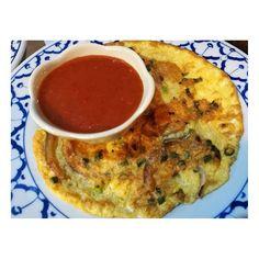 カイチオ(ガイ/ムー) 大人も子供も食べやすいタイ風(鶏/豚)挽肉入り玉子焼き。 ゴールデンウィークも休まず営業してます‼️ レストランのご予約は、下記のLINE IDにコンタクトして下さい��@lanna_thai_cuisine (@lanna_thai_cuisine ) �� �� �� ���� ���� ���� �� �� �� �� �� �� �� �� ���� ���� ���� �� �� �� �� ��  #カイチオ#玉子焼き#タイ料理#thaifood  #อาหารไทย#thairestuarant #ラーンナータイレストラン#Thai#อาหารไทย���� #lannathaicuisine#thairestauranttokyo#gotanda#shinagawa#lannathaicuisinetokyo #tokyo#デザート#おいしい#美味しい#タイ料理#タイスイーツ #ラーンナータイレストランパッタイ #タイ料理#thaicuisine#tokyo���� #東京#五反田#品川#五反田タイレストラン#目黒#渋谷 �� �� ��…
