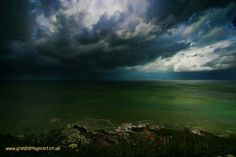 Storms a coming by Grant Stringer