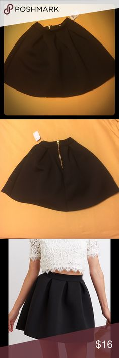 """❗️NWT❗️Pleated Scuba Skater Skirt Trendy scuba knit sculpts this awesome skater skirt! Box pleats flare from a flat waistband into a full, sexy silhouette, while a metal zipper in back seals the deal!  Zipper closure at back Product Model Size: Model is 5'9"""" tall Product Fit: Model is wearing size small. Size small measures 18"""" from top to hem. Product Care: polyester / spandex / hand wash / made in USA Charlotte Russe Skirts Circle & Skater"""