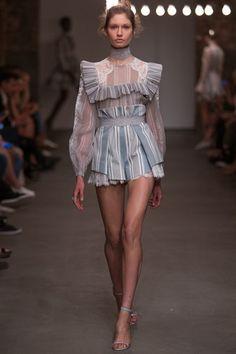 Zimmermann Spring/Summer 2016 Ready-To-Wear New York Fashion Week New York Fashion, Fashion Week, Trendy Fashion, Spring Fashion, High Fashion, Fashion Show, Womens Fashion, Fashion Trends, Fashion Fashion
