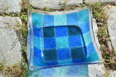 Schale 21 x 21 cm in verschiedenen Blautönen auf klarem Untergrund - Verkauf via www.allerhand.kunsthandwerk.eu Ice Cube Trays, Self, Arts And Crafts, Random Stuff