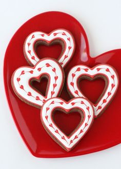 Simple Heart Valentine's Cookies {Decorating how-to}.