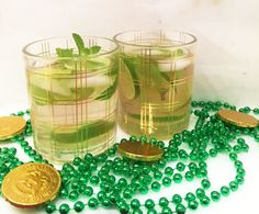 Celebrate St. Patrick's Day the clean way with the festive SOCIAL St. Patrick's mojito.... Over ice pour .5 oz of silver rum. Add a dash of club soda. Add mint leaves and limes. Fill glass with SOCIAL Hibiscus Cucumber. Stir and enjoy! #drinkCLEAN #liveSOCIAL #cocktails #cannedwine #wineinacan #sparklingwine #organic #lowcarb #lowsugar #wine #winewednesday #winetasting #glutenfree #sulfitefree #organicwine #winelover #winenight #winetime #winelovers #loveSOCIAL #lucky #stpatricksday