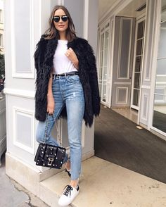"""Mi piace"": 48 mila, commenti: 221 - Olivia Culpo (@oliviaculpo) su Instagram: ""Black and white casual today @grlfrnd_denim @rta @fwrd #lookfwrd by @kellytaub"""