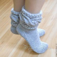 Носки шерстяные, вязаные носки, обувь для дома, домашняя обувь, сапожки вязанные, гетры высокие длинные, носки в подарок, носки мужские, женские, носки зимние под зимнюю обувь, подарок на Новый год Crochet Boot Socks, Booties Crochet, Knitted Slippers, Slipper Socks, Knitting Socks, Baby Knitting, Knit Crochet, Baby Flip Flops, Beanie Hats For Women