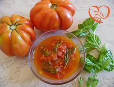 Sugo pomodoro e basilico http://www.cuocaperpassione.it/ricetta/a4391f4c-9f72-6375-b10c-ff0000780917/Sugo_pomodoro_e_basilico