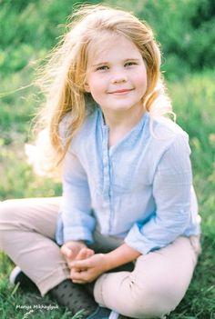 Children's photography, Family photography, Mariya Mikhaylyuk Photography, Girls Portraits, Outdoor Portraits, kids portraits, kodak portra 400, film