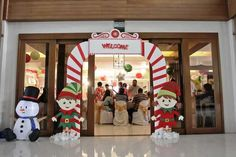 Andres and Abigail's Santa's Workshop Themed Party – Entrance