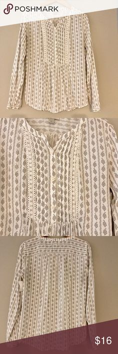 LOFT blouse LOFT cotton blouse in excellent used condition. Still has consignment store tag. LOFT Tops Blouses