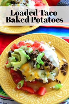 Loaded Taco Baked Potatoes make for the perfect easy dinner for a busy weeknight. They are also a fun twist for Taco Tuesday! Entree Recipes, Side Dish Recipes, Mexican Food Recipes, Taco Bake, Easy Weeknight Meals, Easy Dinners, Delicious Dinner Recipes, Yummy Recipes, Best Side Dishes