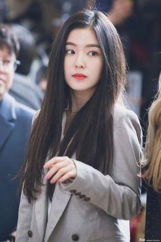 Check out Black Velvet @ Iomoio Red Velvet Irene, Pink Velvet, Black Velvet, Seulgi, Korean Girl, Asian Girl, Pretty People, Beautiful People, Red Velvet Photoshoot