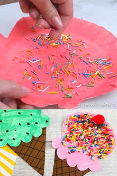 Hand Crafts For Kids, Toddler Arts And Crafts, Daycare Crafts, Classroom Crafts, Craft Activities For Kids, Preschool Crafts, Fun Crafts, Kindergarten Crafts Summer, Kids Craft Projects