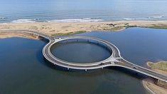Polémico puente circular  Puente Laguna Garzón. #Uruguay #Arquitectura