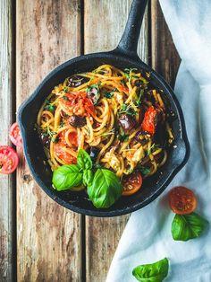 Tosiaankin perun nyt kaikki sanani siitä, että pasta olisi tylsää ruokaa. Monen vuoden pastapaasto on luonut ihan uuden innostuksen tuohon…