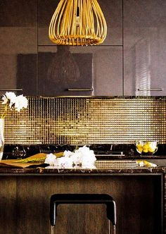 Kitchen tile backsplash is one of the major interior decoration that adds looks to your kitchen. Choosing an attractive backsplash for your kitchen could add more elegance and looks to your already… Bar Interior, Kitchen Interior, Interior Decorating, Decorating Ideas, Deco Design, Küchen Design, House Design, Design Ideas, Design Hotel