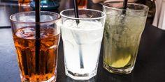 Mischiare alcolici ed energy drink è molto rischioso. L'effetto stimolante della caffeina maschera lo stato di ubriachezza