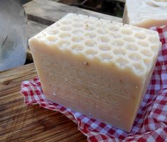 Goat's Coconut Soap -Due to its moisturizing properties, coconut milk can soothe the symptoms of psoriasis, dermatitis and eczema. The natural fatty acids in this milk can help treat dry and irritated skin and remove harmful bacteria from your skin. Coconut milk on soaps , prevents wrinkles, sagging skin and age spots.  #goatssoap #coconut #soaps