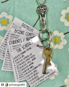 Have you seen this GENIUS idea from primarygraffiti The first week of school can make any teacher lose their mind and forget basically everything Keeping important info on your badge saves so much time and stress You might even have time for an extra Starbucks run