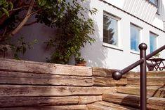 Slik lager du et vakkert vintertårn av gran Garden Yard Ideas, Garden Projects, Garden Storage Shed, Tool Storage, Carpentry, Backyard Landscaping, Landscape, Pergola, Wood