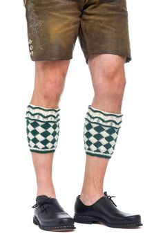 Loferl handgestrickt My bro has asked me to make him a pair of these for xmas to wear with his liederhosen