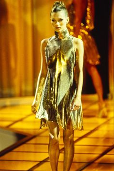 VERSACE Fall 1994 Ready-To-Wear featuring KATE MOSS