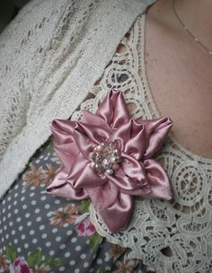 Design by Night: Flor Broche Tutorial