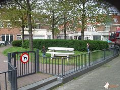 Picknickset Standaard Ovaal bij Gentiaanplein t/o nr 34 in Amsterdam