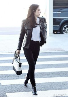 Pin by Jugu on Jennie Blackpink Airport Style in 2019 Airport Outfits, Kpop Outfits, Korean Outfits, Airport Style, Casual Outfits, Cute Outfits, Airport Fashion, Work Outfits, Blackpink Fashion