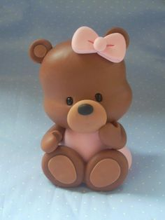 Cute polymer clay teddy bear - not a tutorial, but a simple design image that could be figured out Polymer Clay Figures, Cute Polymer Clay, Polymer Clay Animals, Cute Clay, Fondant Figures, Fimo Clay, Polymer Clay Charms, Polymer Clay Projects, Polymer Clay Creations