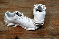 Trop cool la marque du temps Nike Air Max, Air Max Sneakers, Sneakers Nike, Baskets Nike, Collection, Shoes, Fashion, Nike Tennis, Moda